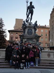 Uscita a Bologna 2011 - Ai piedi del monumento